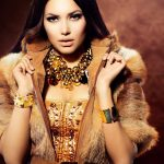 Beautiful-model-girl-jewelry-warm_1920x1440